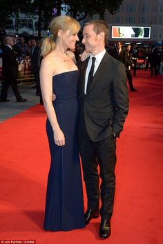 Gooey-eyed: The pair shot adoring looks at each other on the red carpet....so cute:)
