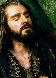 Thorin's closed eyes, opened mouth, chest hair .. Naughty thoughts… just what a girl needs ,thanks@glaw01