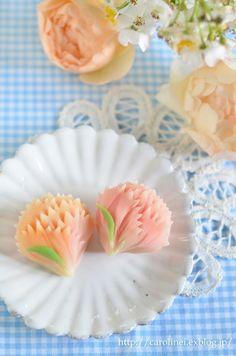 母の日のカーネーション練りきり  Homemade Carnation Nerikiri on Mother's Day