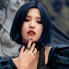 Akali Lol, Neon Aesthetic, Mood Pics, Soyeon, Aesthetic Iphone Wallpaper, Yoona, K Pop, Pretty People, Kpop Girls