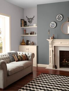 Living room paint colors - the 14 best paint trends to try Living Room Orange, Living Room Grey, Home Living Room, Living Room Decor, Orange Room Decor, Alcove Ideas Living Room, Feature Wall Living Room, Fireplace Feature Wall, Grey Feature Wall