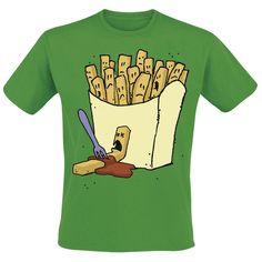 Patat eten is moord! Op dit leuke groene Frietmoord T-shirt ligt een patatje in ketchup-bloed, gespietst door een vorkje, tegen een een zakje vol geschrokken patatjes aan. Een bloederig tafereel, je krijgt er gewoon trek van!