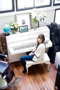 Caroline de Maigret at Home | Featured on Sharedesign.com