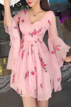 Prom Dress Classy, Floral Print Flared Sleeve Pleated Chiffon Dress in 2020 Dresses Elegant, Trendy Dresses, Cute Dresses, Fashion Dresses, Dresses Dresses, Cute Short Prom Dresses, Women's A Line Dresses, Beautiful Dresses For Women, Short Summer Dresses