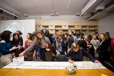 Première Ruche d'art dans un musée au MBAM - Musée des beaux-arts de Montréal Social Advertising, Fine Arts Museum, Beehive, Fine Art Paintings, Beginning Sounds
