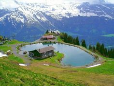 18 Amazing World Tourist Attractions - Brienzersee Engelberg Angel Township Obwalden, Switzerland Places Around The World, The Places Youll Go, Places To See, Around The Worlds, Wonderful Places, Beautiful Places, Amazing Places, Beautiful Scenery, Beautiful Landscapes