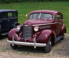 1937 Oldsmobile Six 4 door