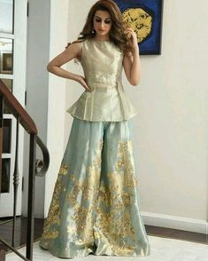 Women's dresses arrive in a number of unique styles and looks. Our cocktail dresses are extremely wearable, comfortable, and extremely versatile. Pakistani Wedding Outfits, Pakistani Dresses, Indian Dresses, Indian Outfits, Eid Outfits, Shrug For Dresses, Dress Up, Formal Dresses, Long Dresses