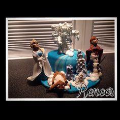 """""""Bursdagskake til tantebanet #frozen #handmade  #frost  #anna  #kake #topper #caketopper #delicious #disney #WaltDisney #disneyfrozen #bakemag…"""""""
