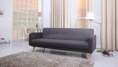 3 - seter sovesofa 100 % Polyester, PU – ND – 8 Brun 50 % tre, 30 % skum, lyse tre ben  Spesifikasjoner/dimensjoner: Liggemål: 194x110 cm Bredde: 210 cm, Høy