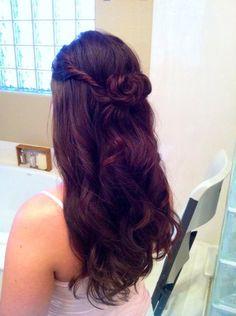 Half up hairstyles #bridalhair #weddings #twistedhair