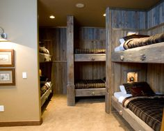 winter cabin bedroom ideas - Home Decorating Trends - Homedit - Hunting Lodge Decor Design Ideas, Pictures, Remodel, and Decor - page 12 Cabin Homes, Log Homes, Home Design, Design Ideas, Cabin Design, Interior Design, Cosy Interior, Attic Design, Cottage Design