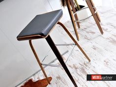 Nowoczesny hoker - stołek barowy drewniany nr 40