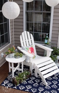 Decorating An Outdoor Seating Area