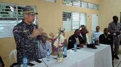 Policía Nacional realiza encuentro de acercamiento con moradores de Santo Domingo Oriental