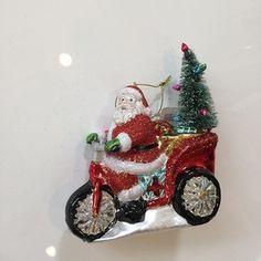 Santa and his tricycle. $18 #talorton #intheshopnow #home #christmasdecorations #holidaydecorations #holidayideas #santa #ornaments #gift #hostessgift #teachergifts