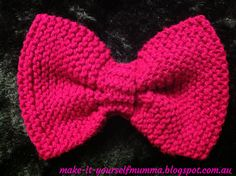 make-it-yourself mumma: Knitted Bows Tutorial - Free Patterns Baby Hat Knitting Pattern, Loom Knitting, Free Knitting, Baby Knitting, Crochet Patterns For Beginners, Knitting Patterns, Knitting Ideas, Knitting Projects, Crochet Ideas