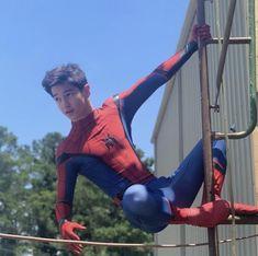 Comic Costume, Spiderman Costume, Superhero Cosplay, Justice League Comics, Big Boyz, Abs Boys, Superman Art, Male Cosplay, Cute Teenage Boys