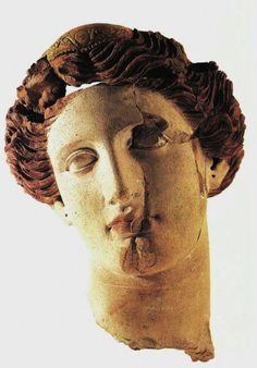 Testa femminile con diadema, IV a.C. TARANTO (Italy) Archaeological Museum of the Greek Culture in Magna Grecia.