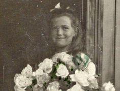 "judicialinvestigator: "" ГАРФ дико ужал Марию с букетом, буду спамить, фоток много красивых ГА РФ, ф. 685 оп. 1 д. 186 л. 29 "" Maria Nikolaevna with a bouquet of flowers aboard the Standart, 1912"