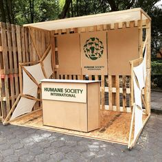 Y as qued el eco stand de Humane Society International para Stand Design, Booth Design, Atelier Home, Food Cart Design, Expo Stand, Kiosk Design, Exhibition Stall, Market Stalls, Humane Society