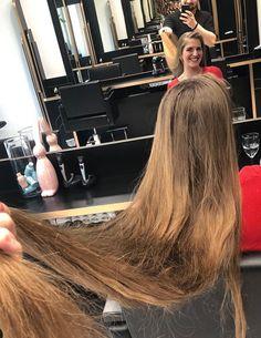 Long Hair Cuts, Long Hair Styles, Salon Chairs, Haircuts, Salons, Mirror, Beauty, Long Hair, Haircut Long
