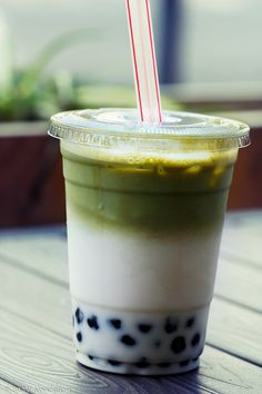 matcha green milk tea with bubbles