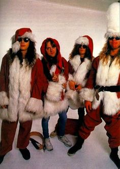 Kirk Hammett, Lars Ulrich, Jason Newsted and James Hetfield (Metallica). Four Trash Santa Claus - very cool any time of the year! Jason Newsted, Band Pictures, Band Photos, Rock N Roll, Heavy Metal Christmas, Metallica Band, Kirk Hammett, James Hetfield, Santa Suits