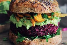 Crispy on the outside, succulent and smoky-flavored on the inside, combined with delicious avocado-tahini sauce and baked sweet potato fries – this recipe has everything you would expect from a burger.