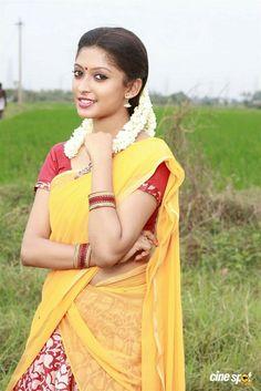 Beautiful Girl Indian, Most Beautiful Indian Actress, Beautiful Saree, Beautiful Actresses, Beautiful Bride, Beautiful Women, Desi Girl Selfie, Indian Girls Images, Indian Beauty Saree