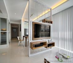 Znalezione obrazy dla zapytania tv in the middle of the living room - Essen & Fernsehen - Fernseher Living Room Partition Design, Living Room Divider, Room Partition Designs, Living Room Tv Unit, Tv Wall Design, Tv Unit Design, Home Living Room, Living Room Designs, House Design