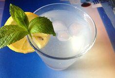 Mentás limonádé   NOSALTY – receptek képekkel Glass Of Milk, Food And Drink, Healthy Recipes, Drinks, Party, Mint, Drinking, Beverages, Healthy Eating Recipes