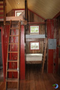 Loft AND Bunk Beds in a Tiny Cabin/House- One PHOTO- TEN things I dig...