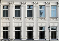 Detail of the facade of the Bertelsmann Stiftunng in Berlin. This building is an interpretation of the Alte Kommandantur which stood in the same place but was destroyed during WWII. The architect Van den Valentyn used old photo's of the building to reconstruct this building as there were no plans from the original design.