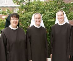 Sr Lethia Marie professed perpetual vows and Sr Theresa Marie and Sr Maria Kolbe were invested with the habit in August.