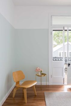 Duo tone walls. Pastel. perfect height not inline with woo of window. Love it Cx