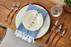 Julianne Hough Invites You to See Her Newly Revamped Backyard - The Table Settings - from InStyle.com