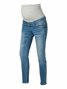 Maternity slim fit jeans from MAMALICIOUS. #mamalicious #jeans #maternity #fashion #denim