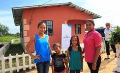 Honduras participa en foro de experiencias latinoamericanas sobre programas sociales Honduras presentó los avances en el manejo de datos para la ejecución de programas sociales mediante la gestión del Centro Nacional de Información del Sector Social (Ceniss), durante el Foro de Experiencias Latinoamericanas en Bases de Datos de Programas Sociales y Machine Learning (aprendizaje automático o aprendizaje de máquinas), realizado en San José, Costa Rica.