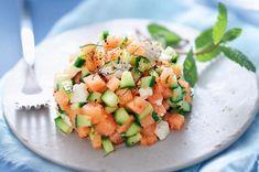 Tartare de melon, feta, concombre et menthe - Foods Schmuck Damen Raw Food Recipes, Veggie Recipes, Salad Recipes, Vegetarian Recipes, Healthy Recipes, Feta, Good Food, Yummy Food, Salty Foods