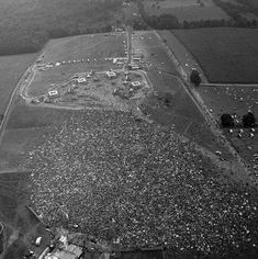 Woodstock - an Iconic Music Festival: Best Photos and Untol. Hippie Party, Woodstock Festival, Festivals, Utopian Society, Relaxing Images, Music Icon, Birds Eye View, Aerial View, Worlds Largest