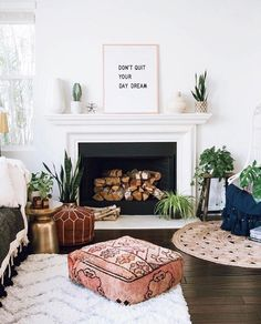 Gorgeous boho interior living with plants #jungalowstyle