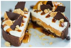 Scottish Banoffee Tart with Bananas, Scottish Whisky Toffee, Walkers Shortbread Crumbles and Sweet Cream: Will be appearing at this year's Epcot International Food Wine Festival (Scotland). Is your mouth watering yet? Scottish Desserts, Scottish Recipes, Banoffee Tart, Wine Recipes, Dessert Recipes, Dessert Ideas, Chocolate Caramel Slice, Disney World Food, Epcot Food