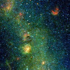 WISEによる三裂星雲付近の赤外線画像