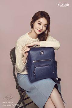 Kang Min-Kyung 강민경 姜珉耿 1990.08.03