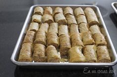 dulces-arabes5 Food Network Recipes, Food Processor Recipes, Cooking Recipes, Baklava Roll Recipe, Middle East Food, Chilean Recipes, Chilean Food, Arabian Food, Arabic Sweets