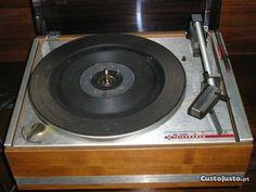 Aparelhos de música antigos em Coimbra