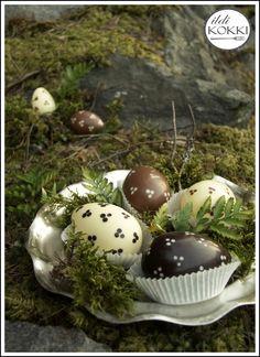 ildi KOKKI : Húsvéti csokitojások Easter Chocolate, Homemade Chocolate, My Recipes, Easter Eggs, Finland, Breakfast, Food, Breakfast Cafe, Essen