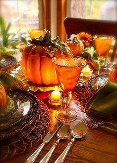 Halloween or Thanksgiving tablescape Thanksgiving Tablescapes, Holiday Tables, Thanksgiving Decorations, Happy Thanksgiving, Thanksgiving Blessings, Thanksgiving Pictures, Autumn Decorations, Décoration Table Halloween, Fall Halloween