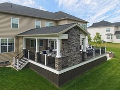 What a great combination of patio work and decking, the best of both worlds! The patio work is done in Champlain Grey and features a lovely, woodburning firepit